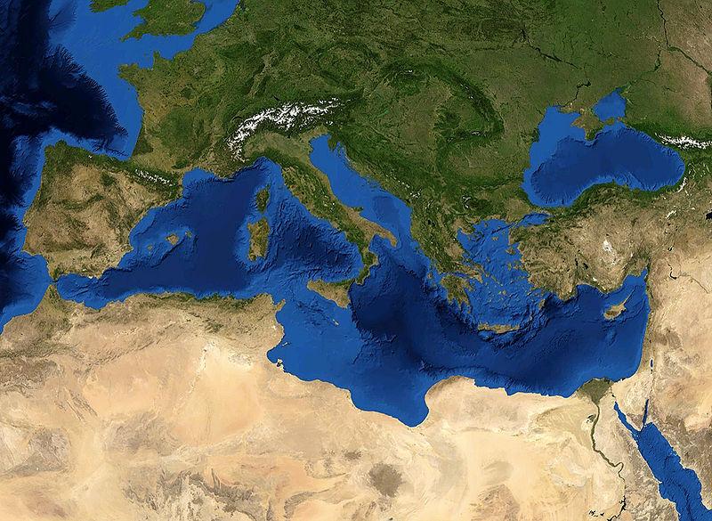 Datei:Mediterranian Sea 16.61811E 38.99124N.jpg